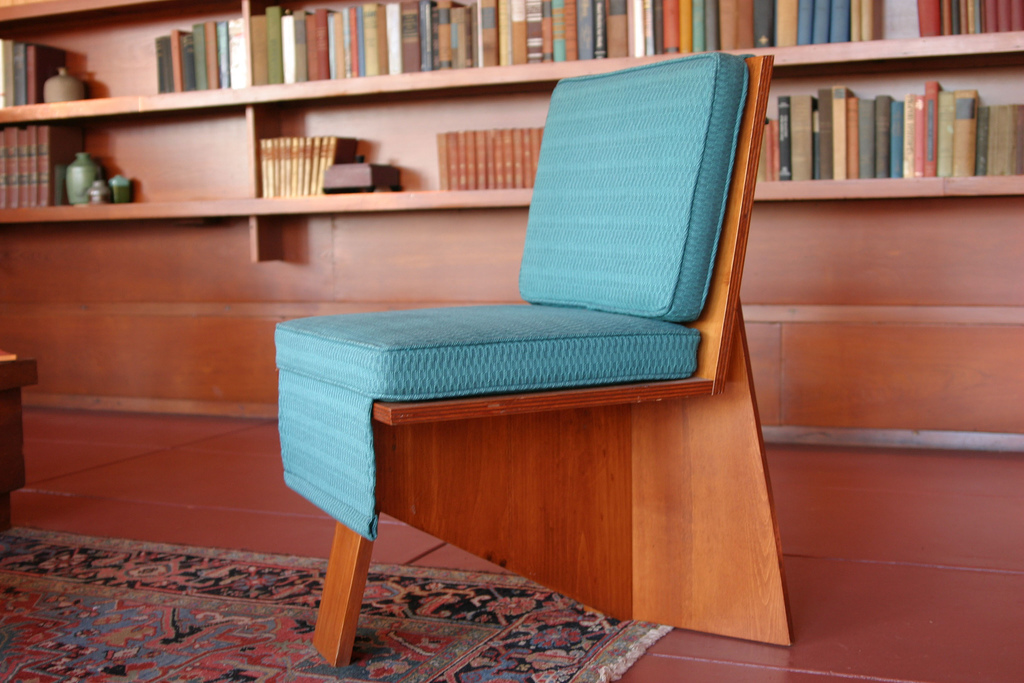Frank Lloyd Wright Interior Design Furniture ~ Get the look frank lloyd wright with a twist roomplace
