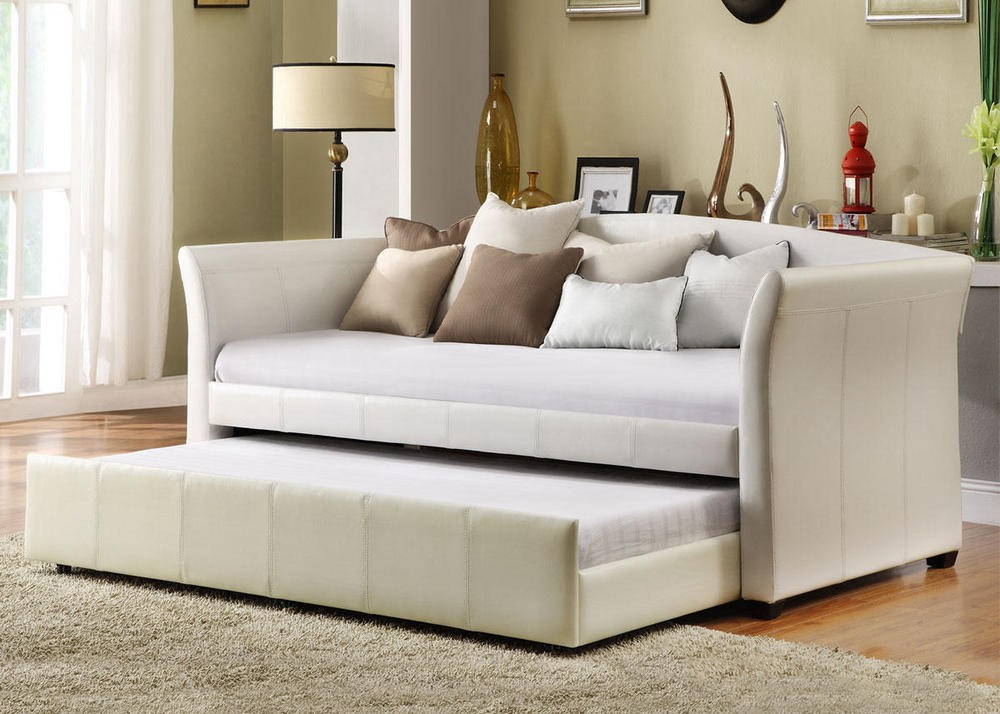 Good Things Come In Threes: Day Dreaming Donovan Daybed Collection